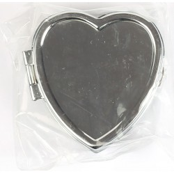 METAL PILL BOX TO BE DECORATED - HEART SHAPED 45 x 45 x 17 mm